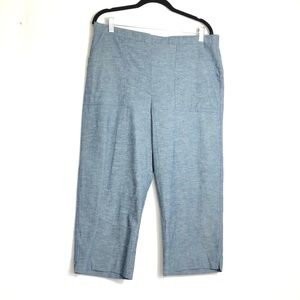 Alfred Dunner Chambray Pull-on Crop Capris Pant.
